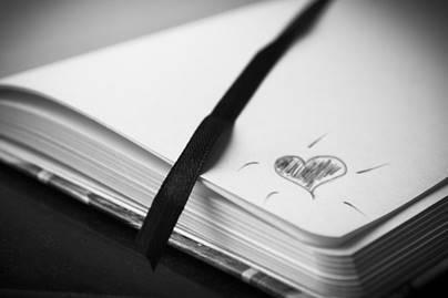 notisbok med hjerte